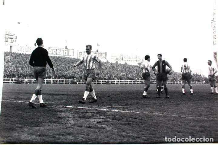 Coleccionismo deportivo: FG-261. RCD ESPAÑOL-FC BARCELONA. KUBALA EN EL EQUIPO ESPAÑOLISTA. TEMPORADA 1963-64 - Foto 2 - 103991591