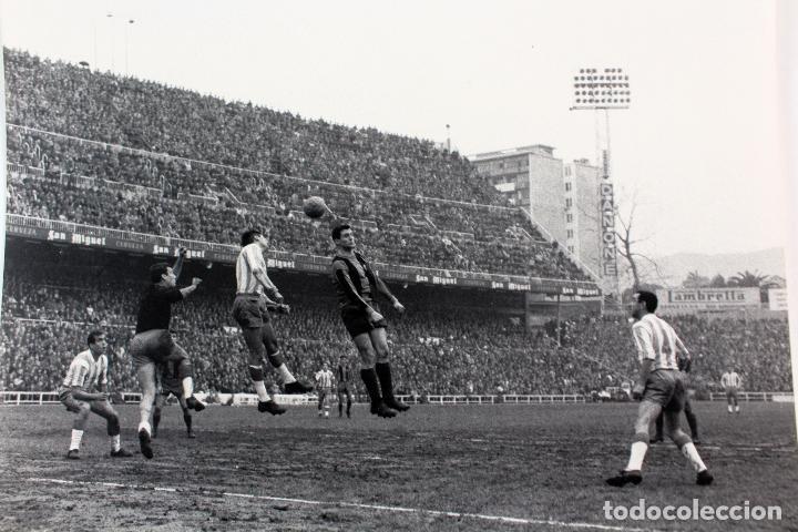Coleccionismo deportivo: FG-261. RCD ESPAÑOL-FC BARCELONA. KUBALA EN EL EQUIPO ESPAÑOLISTA. TEMPORADA 1963-64 - Foto 3 - 103991591