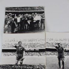 Coleccionismo deportivo: FG-273. F.C.BARCELONA. RAMON VILLAVERDE. IMAGENES DE SU DESPEDIDA. TEMPORADA 1963-64. 4 FOTOS.. Lote 104561919