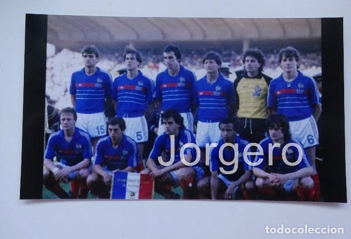 SELECCIÓN FRANCESA DE FÚTBOL. ALINEACIÓN CAMPEÓN EUROCOPA 1984 EN PARÍS CONTRA ESPAÑA. FOTO (Coleccionismo Deportivo - Documentos - Fotografías de Deportes)