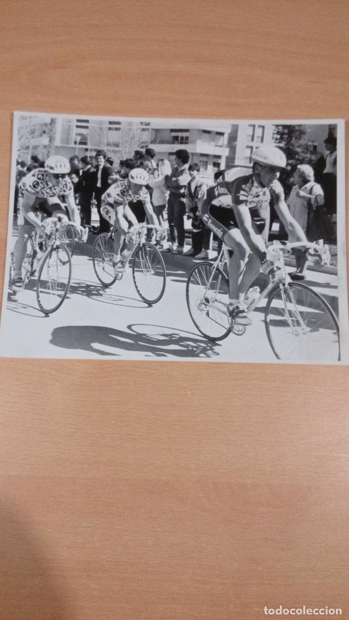 FOTO ORIGINAL INDURAIN ETAPA VUELTA A MURCIA AÑOS 90 - - TAMAÑO 24X18 (Coleccionismo Deportivo - Documentos - Fotografías de Deportes)