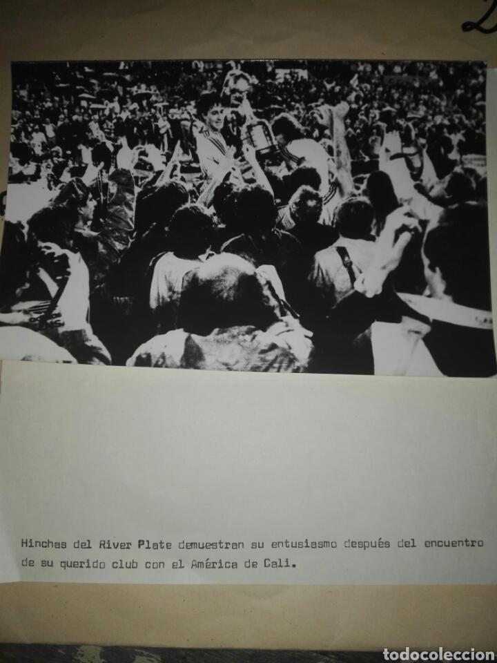 Coleccionismo deportivo: Fotografías originales pertenecientes a un archivo periodístico. River plate argentino Libertadores - Foto 3 - 107663018