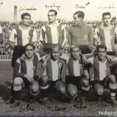 Coleccionismo deportivo: HERCULES C.F. FOTOGRAFÍA ORIGINAL. TEMPORADA 1935-1936. 16 X 11 CTMS.. Lote 108740175