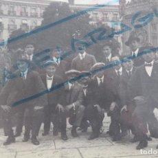 Coleccionismo deportivo: F-3463. JUGADORES DEL FUTBOL CLUB ESPAÑA DE BARCELONA EN UNA VISITA A MADRID. AÑO 1911.. Lote 108745855