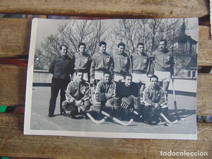 Coleccionismo deportivo: LOTE DE FOTOGRAFIAS Y DOCUMENTACION DE HOCKEY SOBRE PATINES CAMPEONATO DEL MUNDO - Foto 6 - 110648327