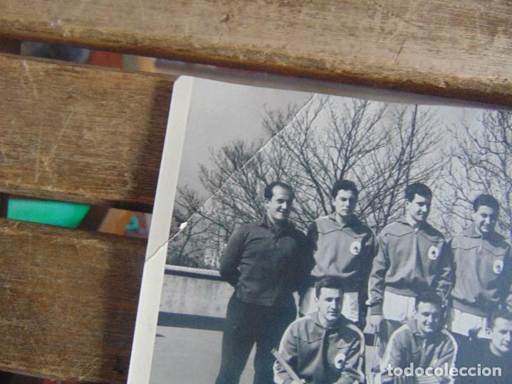 Coleccionismo deportivo: LOTE DE FOTOGRAFIAS Y DOCUMENTACION DE HOCKEY SOBRE PATINES CAMPEONATO DEL MUNDO - Foto 7 - 110648327