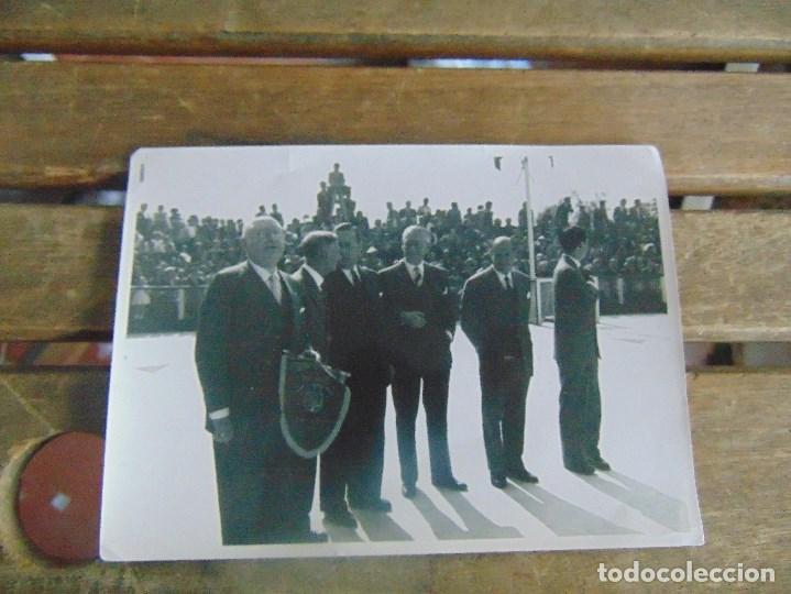 Coleccionismo deportivo: LOTE DE FOTOGRAFIAS Y DOCUMENTACION DE HOCKEY SOBRE PATINES CAMPEONATO DEL MUNDO - Foto 8 - 110648327