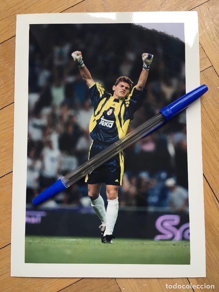 FOTO FOTOGRAFIA DE PRENSA JUGADOR REAL MADRID IKER CASILLAS (Coleccionismo Deportivo - Documentos - Fotografías de Deportes)