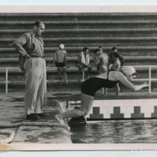 Coleccionismo deportivo: NADADORA POR IDENTIFICAR, FOTO: BERT. BARCELONA. 1930'S. 13X9 CM.. Lote 111511067