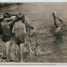 Coleccionismo deportivo: HAYDN TAYLOR, 22-8-1935. ATRAVIESA EL CANAL DE LA MANCHA NADANDO, 14'50 HORAS. 15 X 20 CM.. Lote 111511315