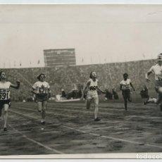 Coleccionismo deportivo: XIV OLIMPIADA, FINAL 100 MTS. FEMENINOS, WEMBLEY STADIUM 15X21CM. . Lote 111511539
