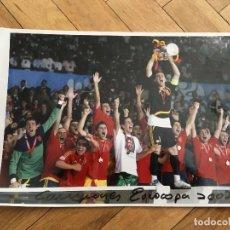Coleccionismo deportivo: FOTO PRENSA FOTOGRAFIA ORIGINAL FUTBOL CAMPEONES EUROCOPA 2008 SELECCION ESPAÑOLA ESPAÑA. Lote 111624023