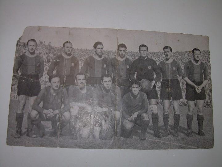 Coleccionismo deportivo: ANTIGUA FOTOGRAFIA... F.C. BARCELONA CON TODAS LAS FIRMAS DE LOS JUGADORES IMPRESAS. - Foto 6 - 112368407