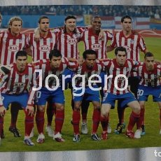 Coleccionismo deportivo: AT. MADRID. ALINEACIÓN CAMPEÓN COPA UEFA 2009-2010 EN HAMBURGO CONTRA EL FULHAM. FOTO. Lote 113216111