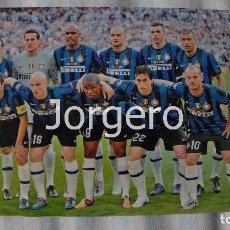 Coleccionismo deportivo: INTER DE MILÁN. ALINEACIÓN CAMPEÓN CHAMPIONS 2009-2010 EN EL BERNABÉU CONTRA BAYERN DE MUNICH. FOTO. Lote 113216163