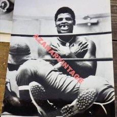 Coleccionismo deportivo: BOXEO, ANTIGUA FOTOGRAFIA DEL CAMPEON DE LOS PESOS PESADOS, LEO SPINKS,165X220MM. Lote 113223687