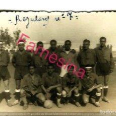Coleccionismo deportivo: FOTO ORIGINAL DEL PARTIDO DE FUTBOL ENTRE REGULARES Nº 5 Y S.D. NADOR AÑO 1944. Lote 113311111