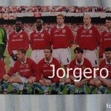 Coleccionismo deportivo: MANCHESTER U. ALINEACIÓN GANADOR CHAMPIONS 1998-1999 EN EL CAMP NOU CONTRA BAYERN MUNICH. FOTO. Lote 174418104