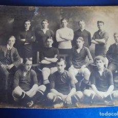 Coleccionismo deportivo: (F-180510)FOTOGRAFIA GRAN TAMAÑO EQUIPO FOOT-BALL ARMSTRONG COLLEGE UNIVERSITY OF DURHAM(INGLATERRA). Lote 119967159