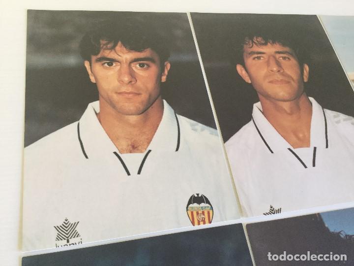 Coleccionismo deportivo: Lote 13 fotografías fútbol jugadores del Valencia CF - Foto 3 - 124921627