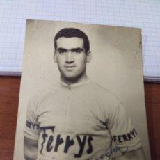 Coleccionismo deportivo - Fotografia original ciclismo ciclista firmada A. Bonacho equipo Ferrys Zaragoza 60'. bicicleta - 128035059