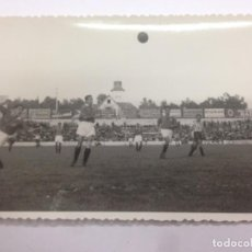 Coleccionismo deportivo: FOTOGRAFIA ORIGINAL LIGA 1947-1948 PARTIDO FUTBOL ENTRE GIMNASTIC TARRAGONA - ATLETICO DE MADRID. Lote 132013402
