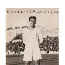 Coleccionismo deportivo: FOTO EUGENIO HILARIO CALVO DELANTERO DEL REAL MADRID C.F. AÑOS 30. VIEJO CHAMARTÍN. FOTO ÁLVARO. . Lote 132420498