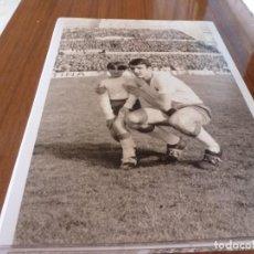 Coleccionismo deportivo: FOTO(20 X 15)BUSTILLO TEMP.67-68 ÚLTIMO PARTIDO CON R.ZARAGOZA ESTANDO YA FICHADO F.C.BARCELONA. Lote 133534490
