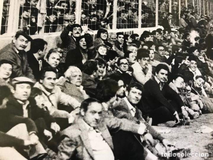 Coleccionismo deportivo: 27 FOTOGRAFIAS FUTBOL SELECCION ESPAÑOLA - AÑOS 1980 - ARCONADA, MICHEL, SATRUSTEGUI, SANTILLANA,... - Foto 16 - 133902658