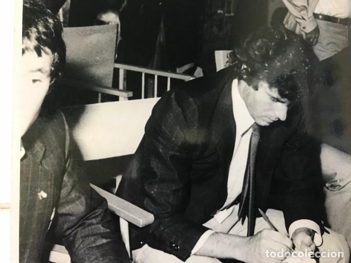 Coleccionismo deportivo: 27 FOTOGRAFIAS FUTBOL SELECCION ESPAÑOLA - AÑOS 1980 - ARCONADA, MICHEL, SATRUSTEGUI, SANTILLANA,... - Foto 19 - 133902658