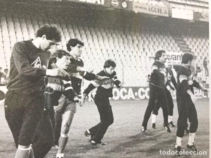 Coleccionismo deportivo: 27 FOTOGRAFIAS FUTBOL SELECCION ESPAÑOLA - AÑOS 1980 - ARCONADA, MICHEL, SATRUSTEGUI, SANTILLANA,... - Foto 30 - 133902658