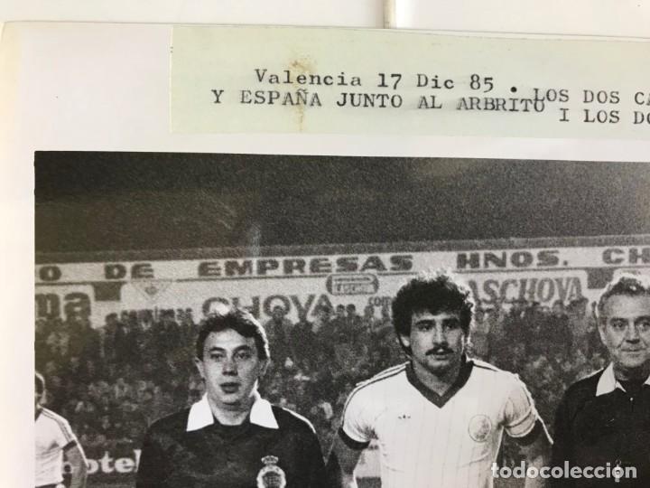 Coleccionismo deportivo: 27 FOTOGRAFIAS FUTBOL SELECCION ESPAÑOLA - AÑOS 1980 - ARCONADA, MICHEL, SATRUSTEGUI, SANTILLANA,... - Foto 41 - 133902658