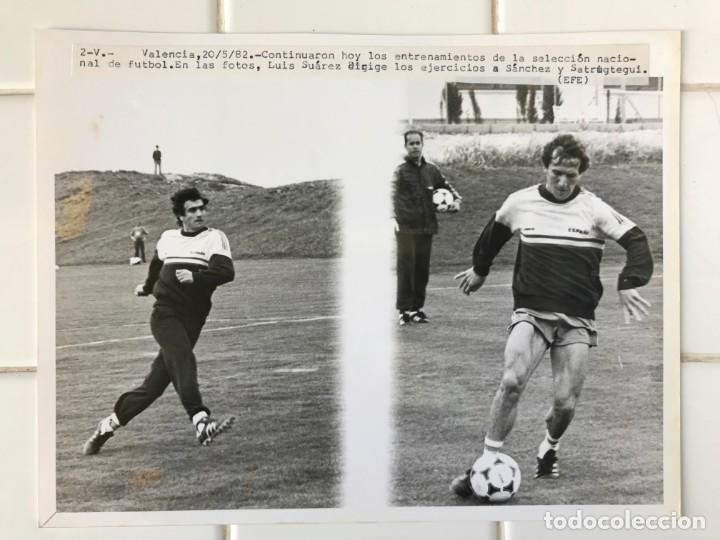 Coleccionismo deportivo: 27 FOTOGRAFIAS FUTBOL SELECCION ESPAÑOLA - AÑOS 1980 - ARCONADA, MICHEL, SATRUSTEGUI, SANTILLANA,... - Foto 45 - 133902658