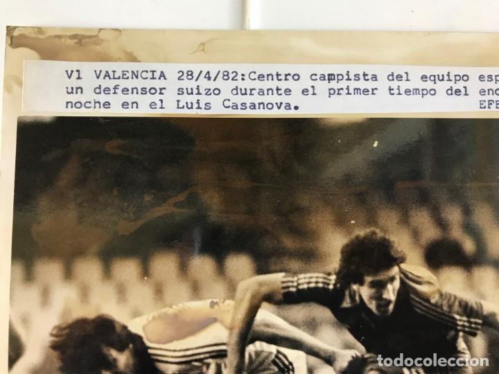 Coleccionismo deportivo: 27 FOTOGRAFIAS FUTBOL SELECCION ESPAÑOLA - AÑOS 1980 - ARCONADA, MICHEL, SATRUSTEGUI, SANTILLANA,... - Foto 55 - 133902658
