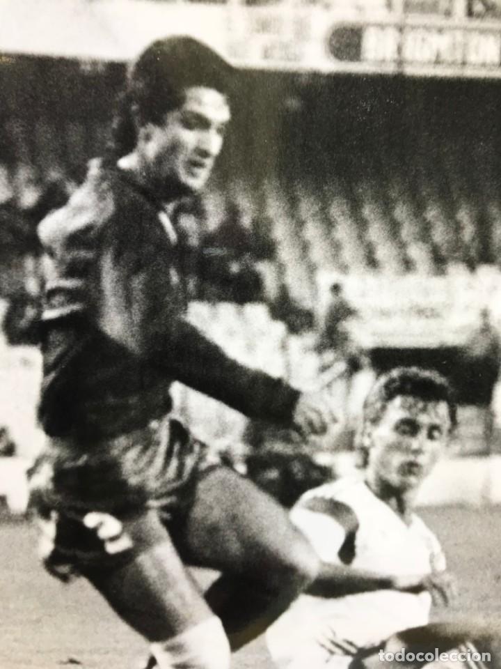 Coleccionismo deportivo: 27 FOTOGRAFIAS FUTBOL SELECCION ESPAÑOLA - AÑOS 1980 - ARCONADA, MICHEL, SATRUSTEGUI, SANTILLANA,... - Foto 63 - 133902658