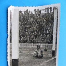 Collezionismo sportivo: ANTIGUA FOTOGRAFIA FUTBOL VALENCIA C.F. - GRANADA - AÑO 1942 - PIO. Lote 137548050