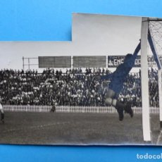 Coleccionismo deportivo: PIO - GUARDAMETA DEL VALENCIA C.F. CONTRA REAL SOCIEDAD - FOTOGRAFICA, AÑO 1941. Lote 138599314