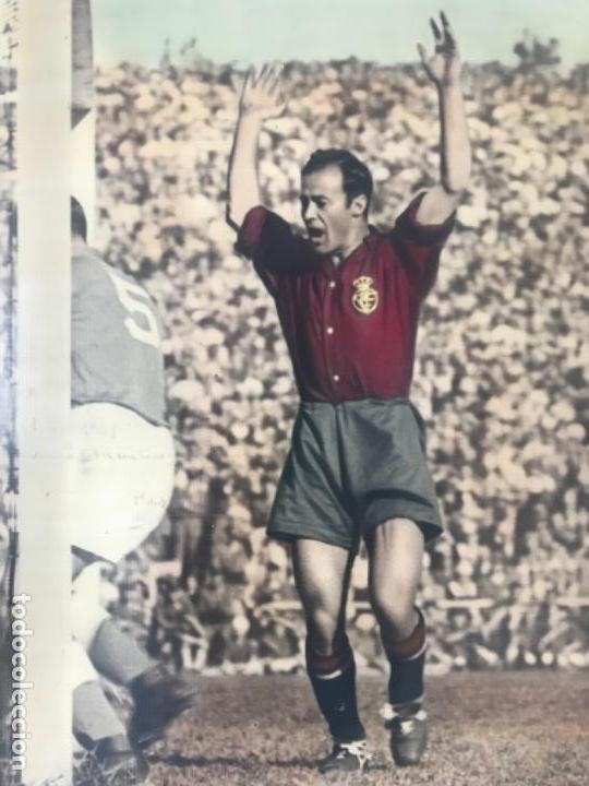 Coleccionismo deportivo: GRAN FOTOGRAFÍA CON AUTOGRAFO DE CESAR RODRÍGUEZ ALVAREZ SELECCIÓN ESPAÑOLA DE FÚTBOL 1948. - Foto 2 - 141668982