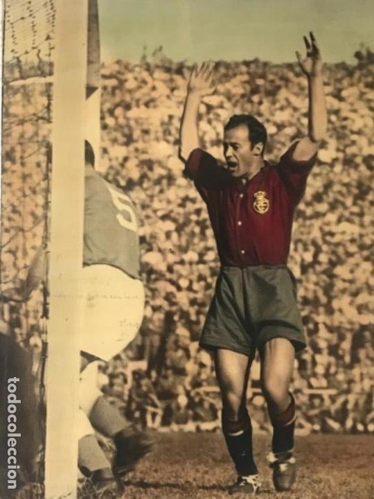 Coleccionismo deportivo: GRAN FOTOGRAFÍA CON AUTOGRAFO DE CESAR RODRÍGUEZ ALVAREZ SELECCIÓN ESPAÑOLA DE FÚTBOL 1948. - Foto 3 - 141668982