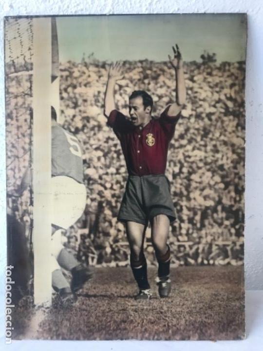 GRAN FOTOGRAFÍA CON AUTOGRAFO DE CESAR RODRÍGUEZ ALVAREZ SELECCIÓN ESPAÑOLA DE FÚTBOL 1948. (Coleccionismo Deportivo - Documentos - Fotografías de Deportes)