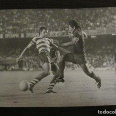 Coleccionismo deportivo: FC BARCELONA-FOTOGRAFIA ANTIGUA ORIGINAL REPORTER GRAFICO SEGUI-VER FOTOS-(V-15.340). Lote 142447990