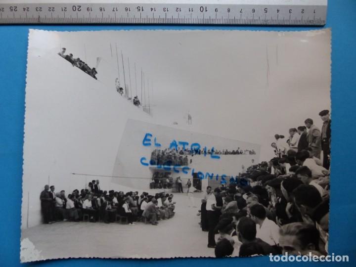 Coleccionismo deportivo: TRINQUET DE MASSAMAGRELL - 7 BONITAS FOTOGRAFIAS PELOTA VALENCIANA - AÑOS 1950-60 - Foto 6 - 143686598
