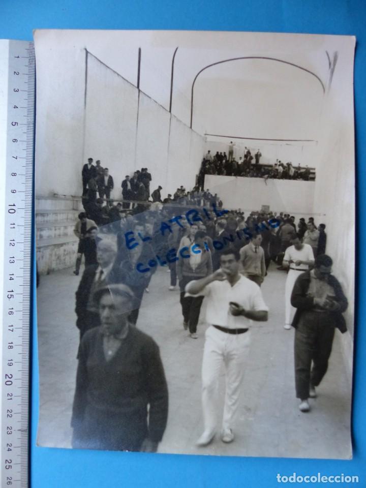 Coleccionismo deportivo: TRINQUET DE MASSAMAGRELL - 7 BONITAS FOTOGRAFIAS PELOTA VALENCIANA - AÑOS 1950-60 - Foto 14 - 143686598
