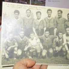 Coleccionismo deportivo: MATEU CLUB FUTBOL VALENCIA 1947 FOTOGRAFIA CON AUTOGRAFOS PRESIDENTE Y JUGADOR ES. Lote 146181754
