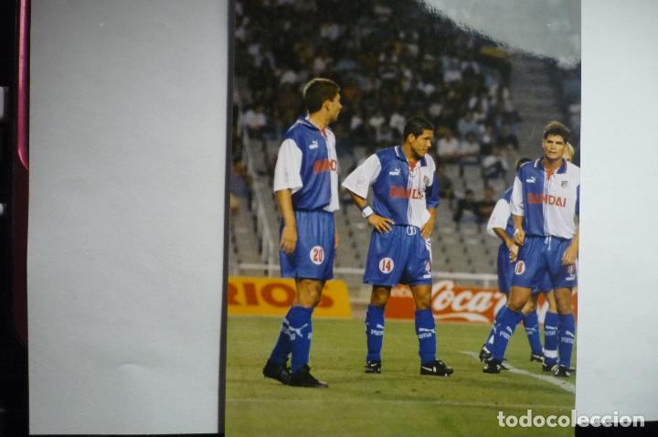 FOTOGRAFIA TAMAÑO POSTAL PARTIDO BARCELONA-AT- MADRID SIMEONE (Coleccionismo Deportivo - Documentos - Fotografías de Deportes)