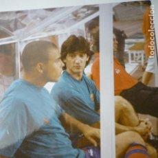 Coleccionismo deportivo: FOTO DE PRENSA TAMAÑO CUARTILLA F.C.BARCELONA FUTBOL BAKERO Y RONALDO BANUILLO. Lote 148497970