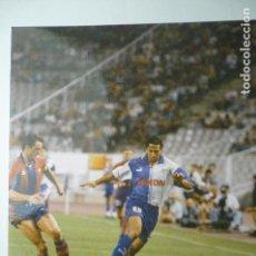 Coleccionismo deportivo: FOTO PRENSA TAMAÑO CUARTILLA PARTIDO F.C.BARCELONA-AT.MADRID. Lote 148705878