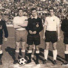 Coleccionismo deportivo: FOTOGRAFÍA ORIGINAL CÁDIZ CF REAL BURGOS AÑOS 70. Lote 150404782