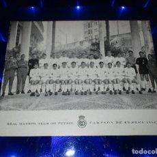 Coleccionismo deportivo: ANTIGUA FOTOGRAFIA REAL MADRID C.F. ( CAMPEON DE EUROPA 1966 ) - CON FIRMAS ESTAMPADAS O IMPRESAS. Lote 150416526