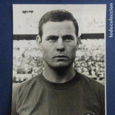 Coleccionismo deportivo: FOTOGRAFIA MARCELINO CON LA SELECCION ESPAÑOLA. . Lote 150657390